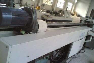 卧式珩磨机工作流程